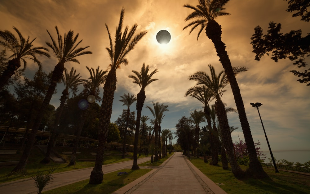 Solar-Eclipse-FedEx-Alert